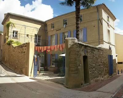 ARTHEMUSE                                                                Chambres d'hôtes - Bed and breakfast - Gästezimmer              14 Grand Rue - 30700 ST QUENTIN LA POTERIE (UZES)   FRANCE